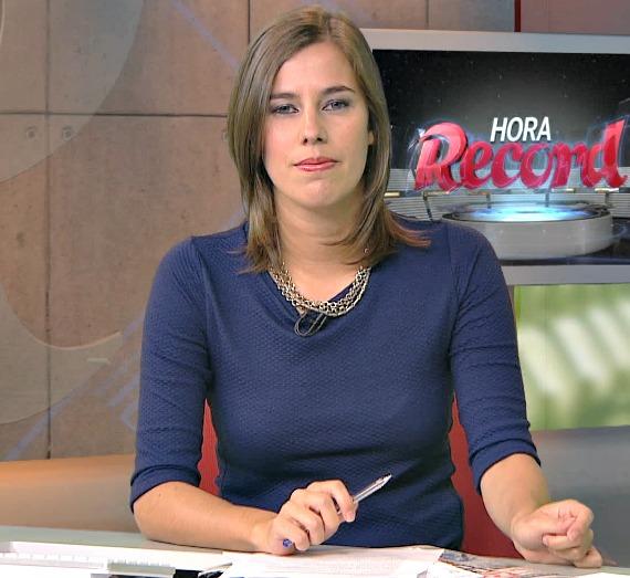 Frame: A jornalista durante o programa.